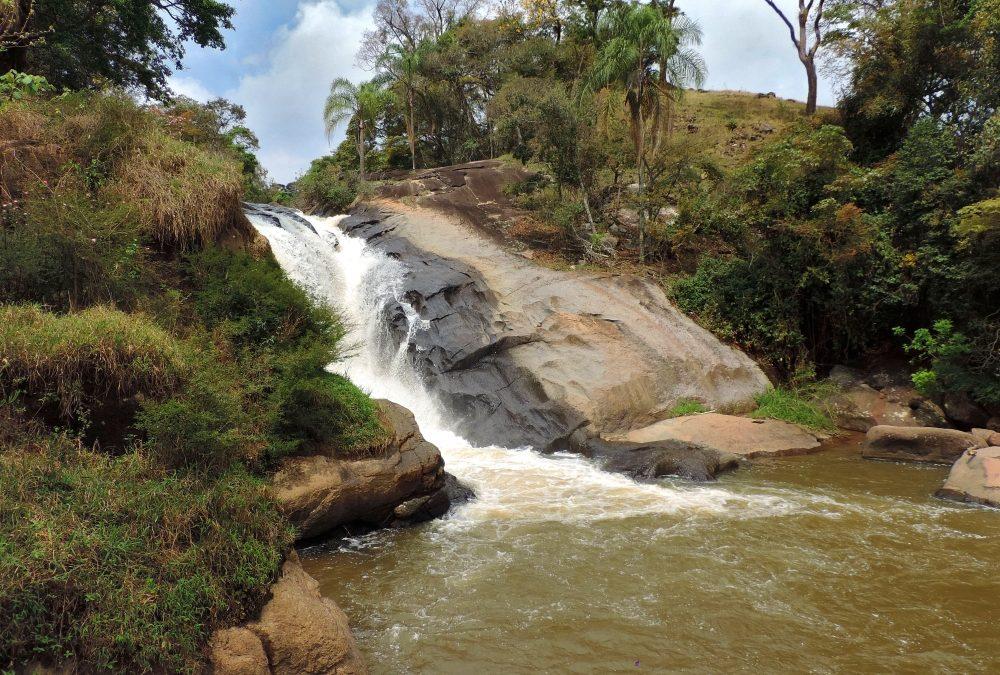 Munhoz (MG) tem cachoeiras, aventura e muito mais