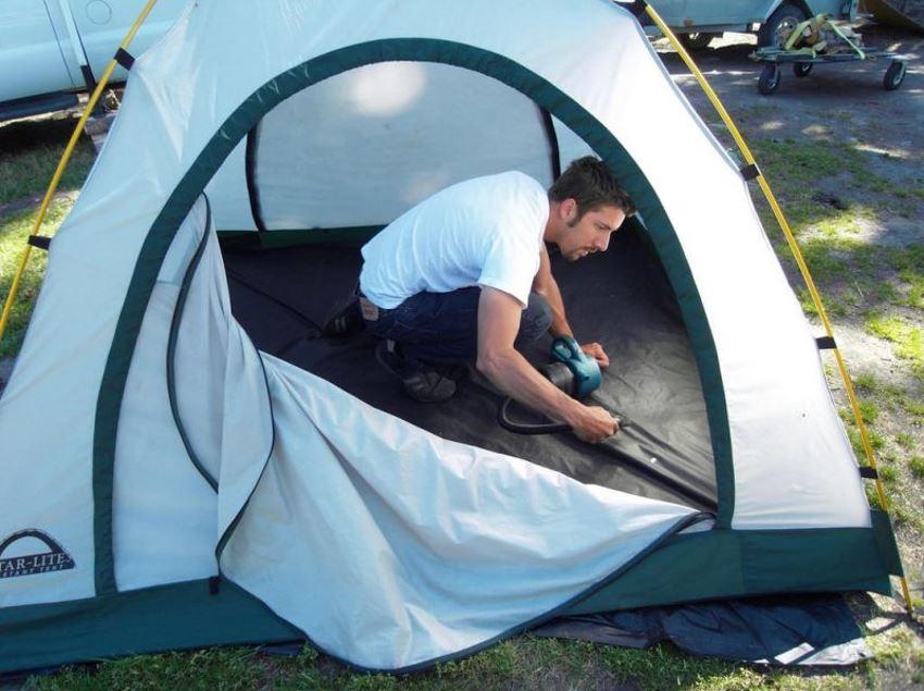 Serviço de lavanderia especializado em barracas de camping